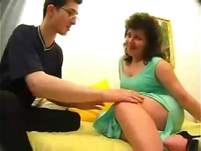 Mature Mom Son's friend Sex Video