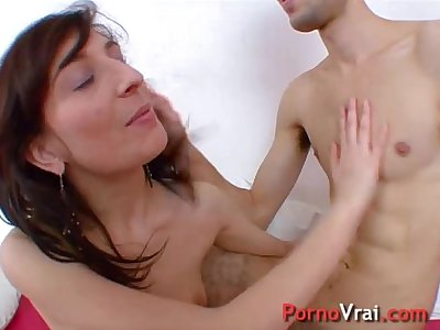 Young student masturbates and enjoys several times !! French amateur